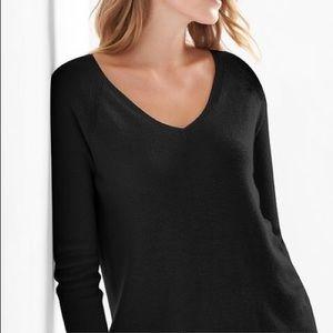 GAP Black V-Neck Sweater Small